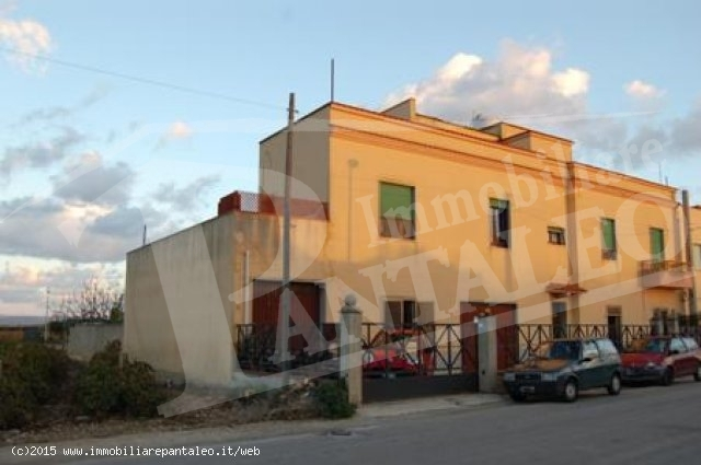 VENDESI CASA IN C.DA BIRGI